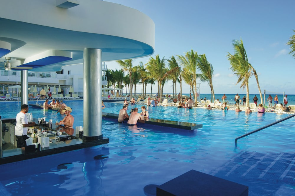 Poolside Bar, Riu Reggae Adults Only - All Inclusive