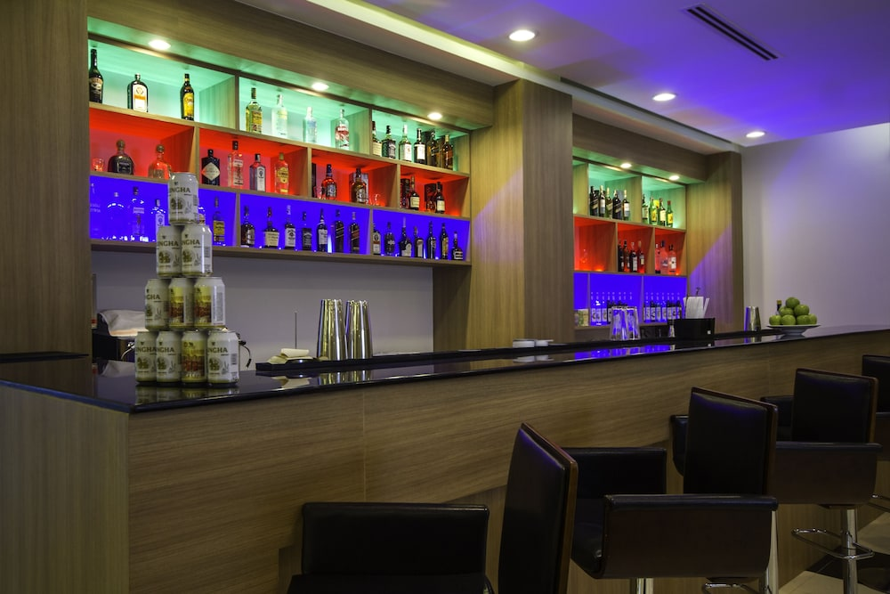 Bar, Holly Hotel Myanmar