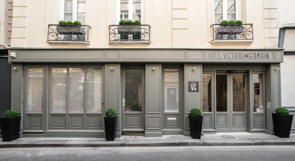 Front of Property, Hôtel Victoire & Germain