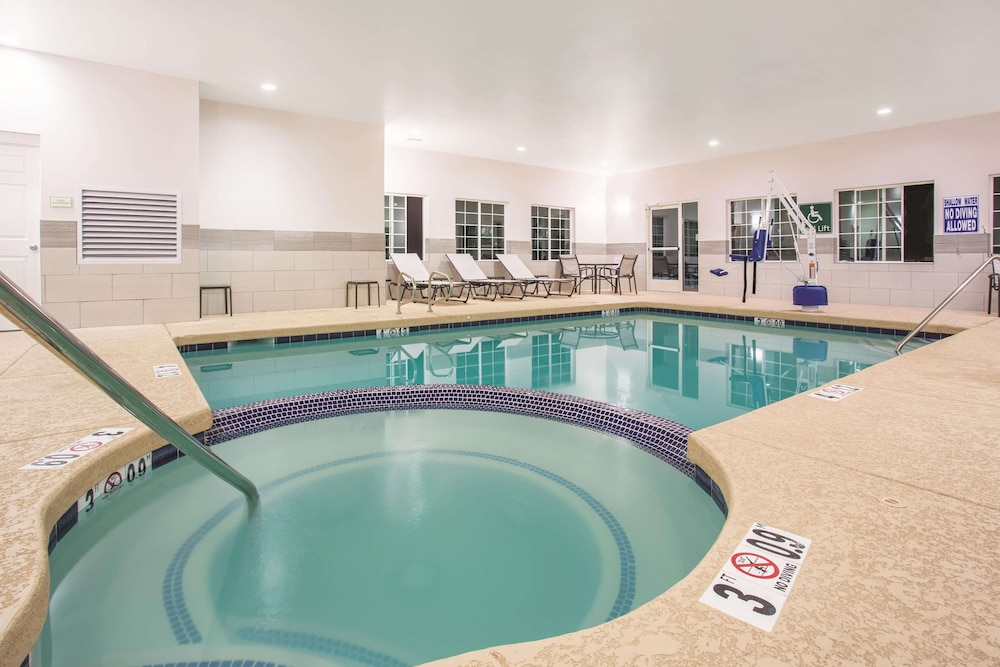 Pool, La Quinta Inn & Suites by Wyndham Williams-Grand Canyon Area