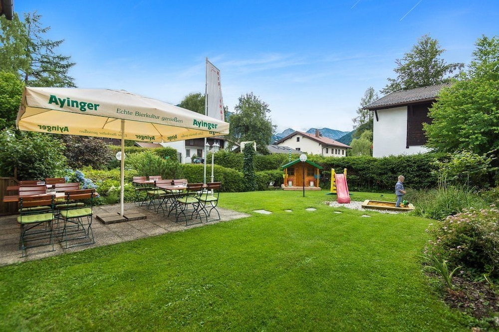 Hotel zum Hirschhaus in Ruhpolding | Hotel Rates & Reviews
