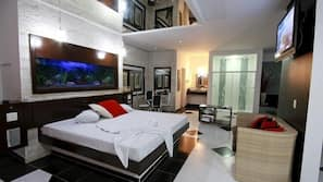 Minibar, decoración individual, mobiliario individual y cortinas opacas