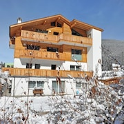 Apartment 4 Holiday - Cesa Hapeli