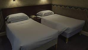 1 bedroom, desk, iron/ironing board, WiFi