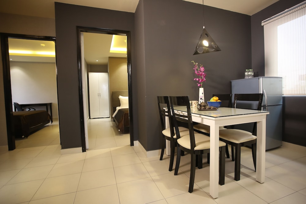 Compass living hai ba trung 2017 room prices deals for Dining room 95 hai ba trung