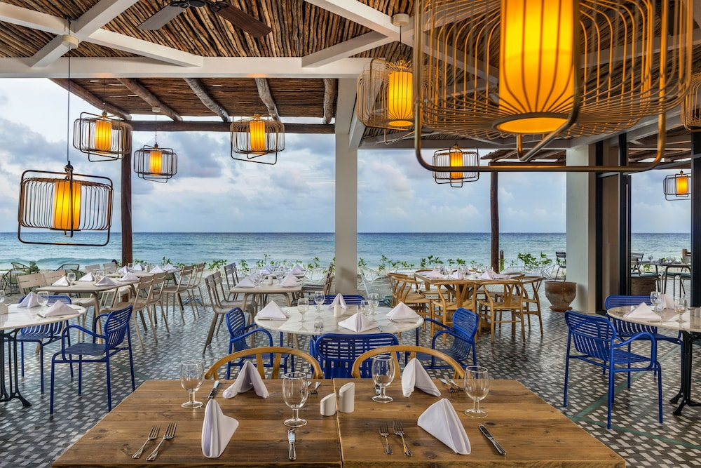Family Dining, Ocean Riviera Paradise All Inclusive