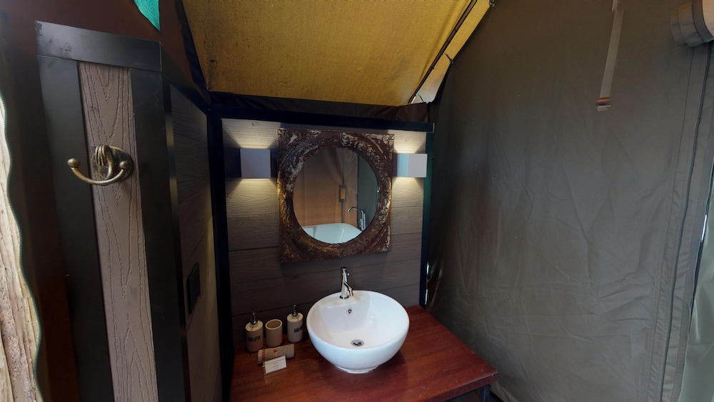 Bathroom, Humala River Lodge
