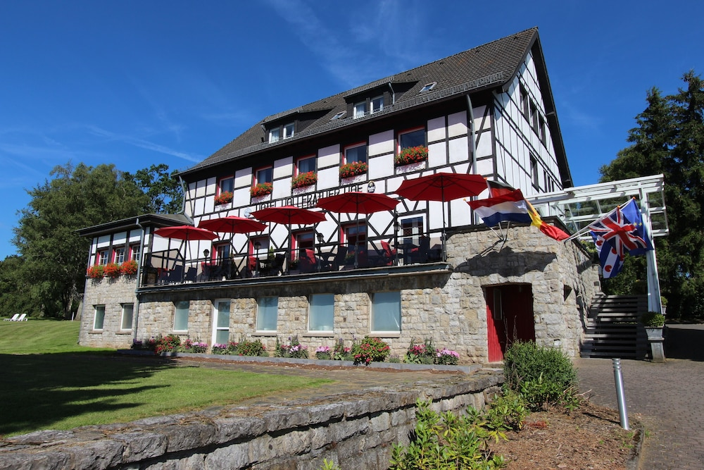 Hotel restaurant hollerather hof hellenthal deu for Design hotel eifel euskirchen