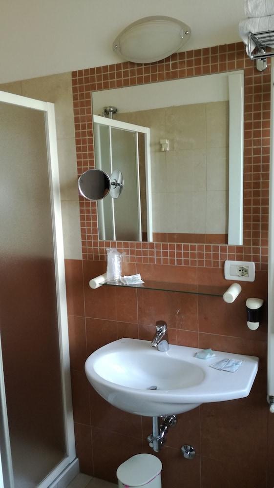 Book hotel sogno cesenatico hotel deals - Bagno florida cesenatico ...