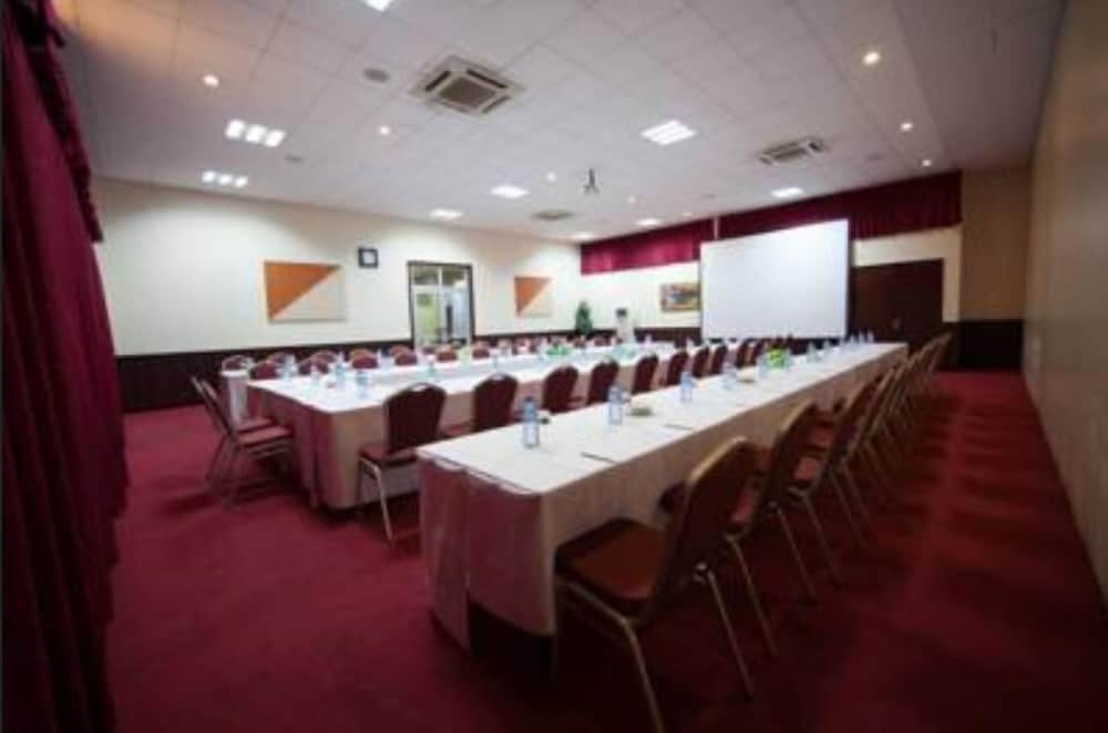Meeting Facility, Swiss Spirit Hotel & Suites Alisa Accra