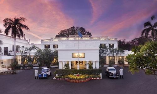 제한 누마 팰리스 호텔
