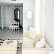 Mondrian 1 Bedroom / 1 Bathroom Condo