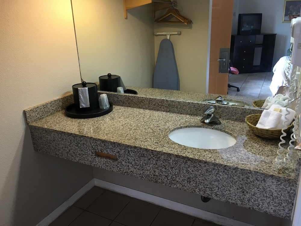 Americas Best Value Inn Suites North Port 2019 Room Prices 109