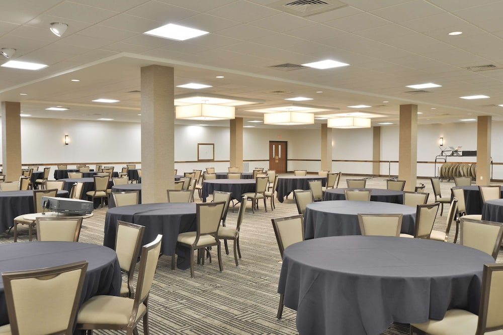 Meeting Facility, The Lismore Hotel Eau Claire - a DoubleTree by Hilton Hotel