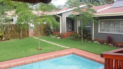 P R  Mphephu hotels - ebookers ie