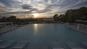 Piscina coperta, piscina all'aperto