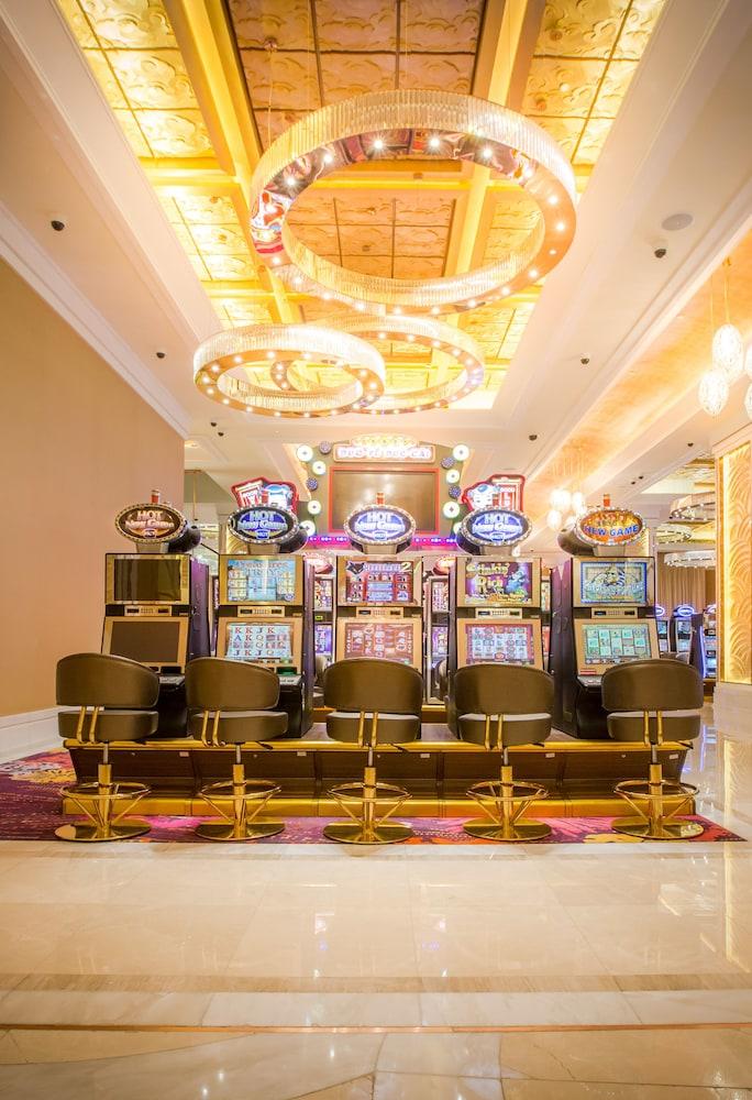 казино манила запорожье