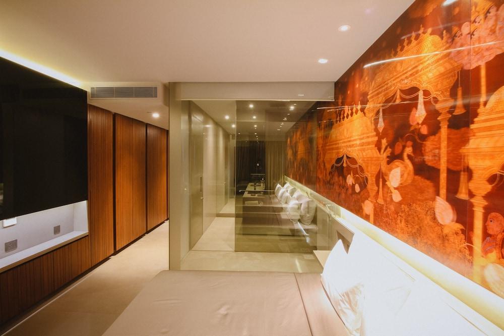 Design hotel chennai by j sta in chennai hotel rates for Design hotel 69