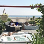 LUX Beach House Barcelona with pool & jacuzzi, beach access