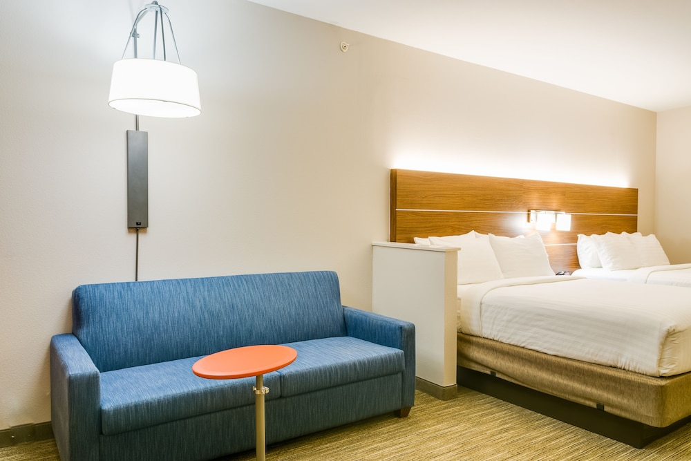 Room, Holiday Inn Express & Suites Russellville