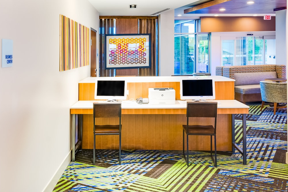 Miscellaneous, Holiday Inn Express & Suites Russellville