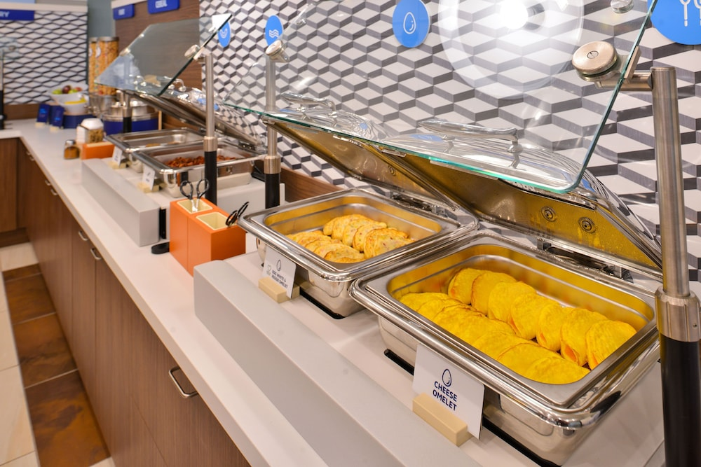 Breakfast Meal, Holiday Inn Express & Suites Russellville