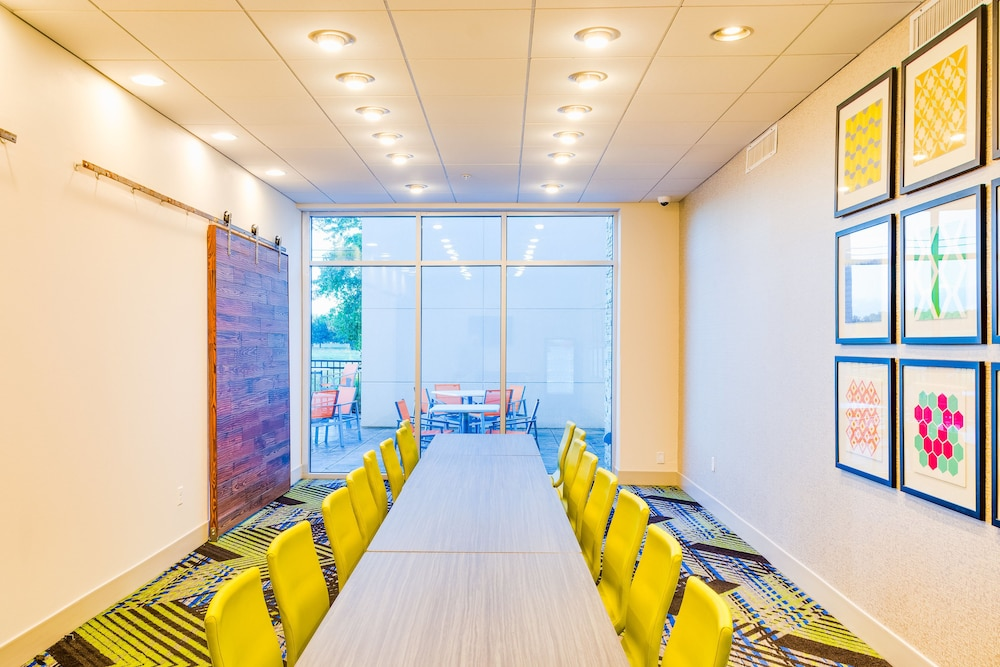 Meeting Facility, Holiday Inn Express & Suites Russellville