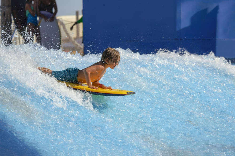 Water Park, Waves Resort
