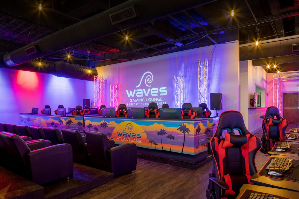 Game Room, Waves Resort