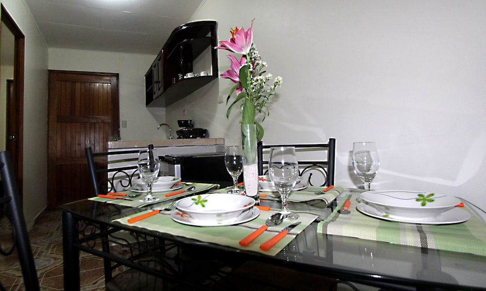 In-Room Dining, La Fortuna Rooms