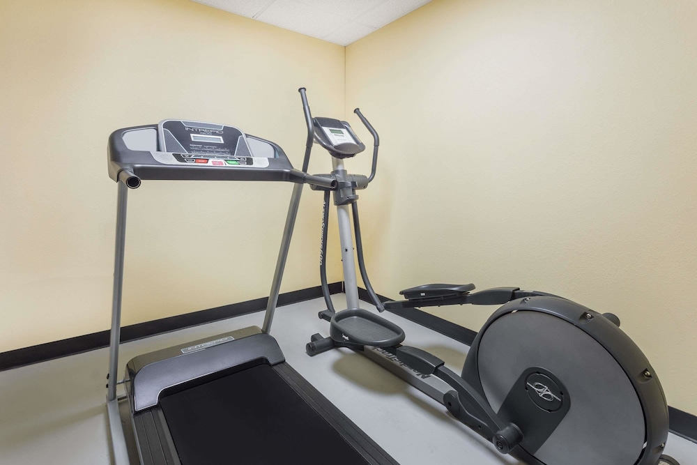 Fitness Facility, Days Inn by Wyndham New Orleans Pontchartrain