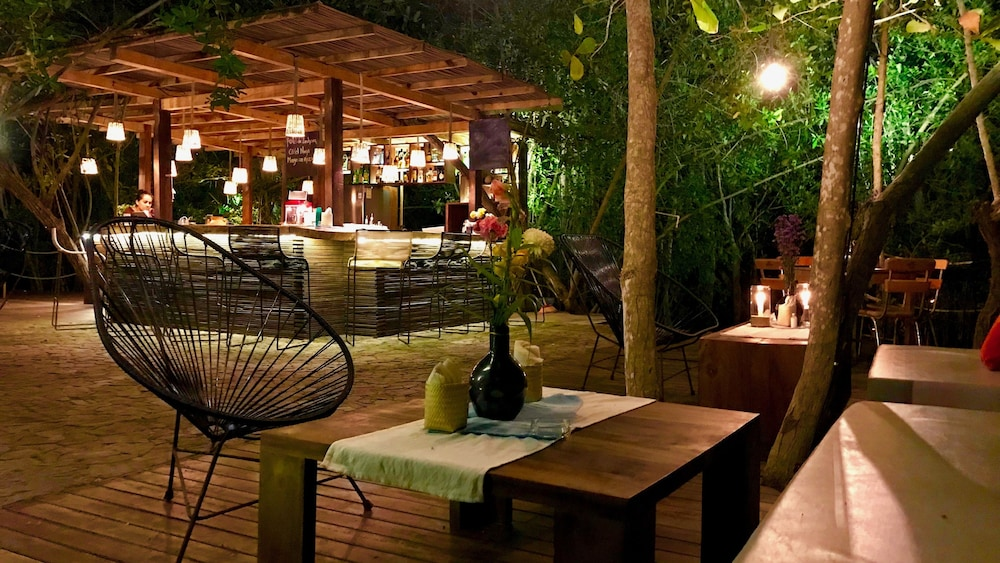 Outdoor Dining, Hotel Noga