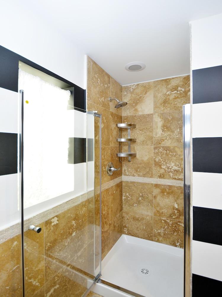 Art Deco Lincoln Apartments 2017 Room Prices Deals