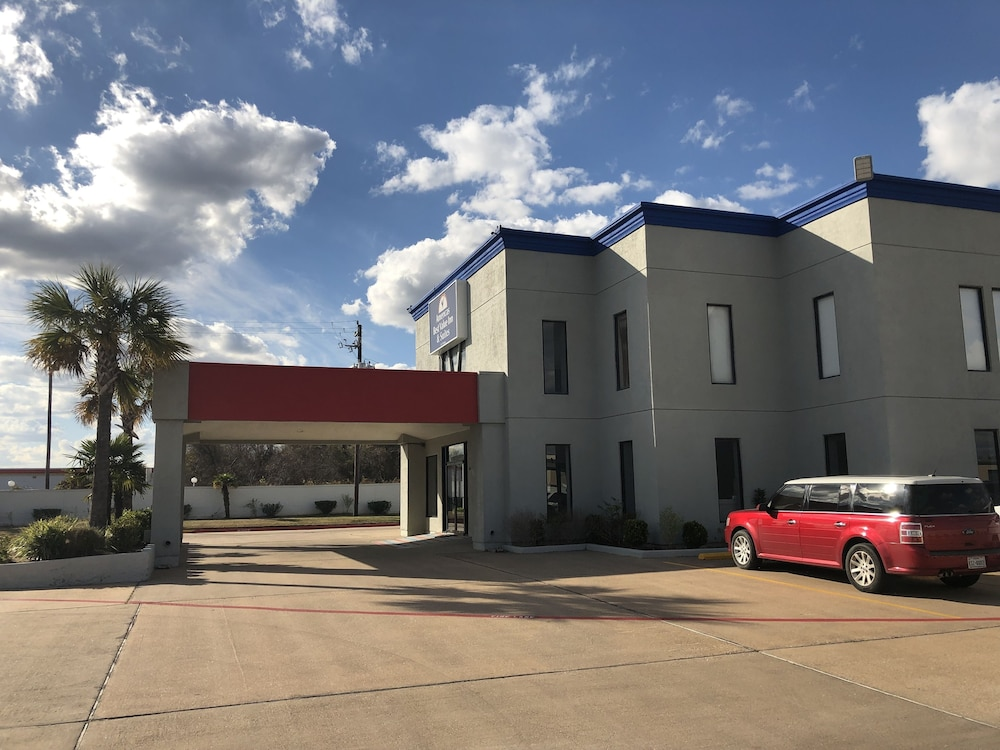 Front of Property, Americas Best Value Inn & Suites Channelview Houston