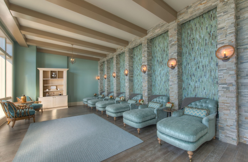 Treatment Room, The Henderson, a Salamander Beach & Spa Resort