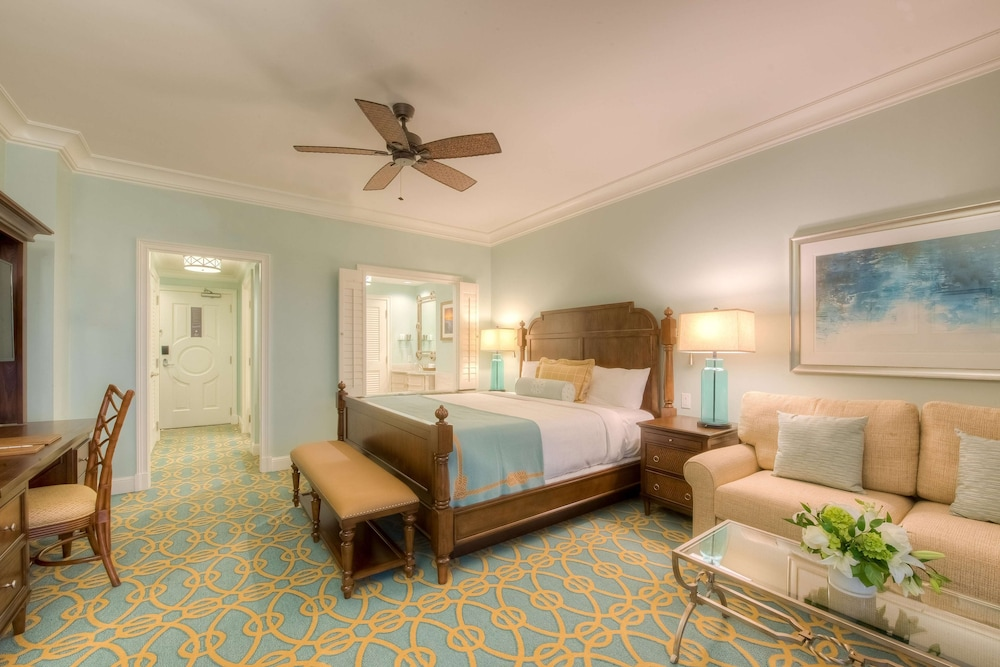 Room, The Henderson, a Salamander Beach & Spa Resort