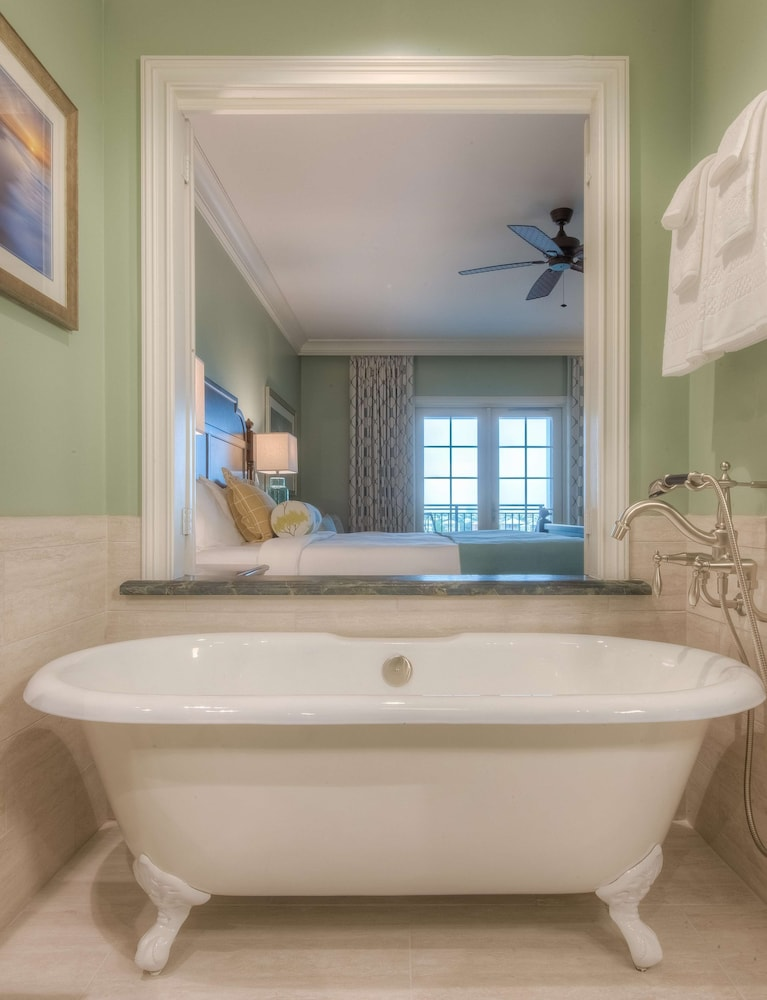 Bathroom, The Henderson, a Salamander Beach & Spa Resort
