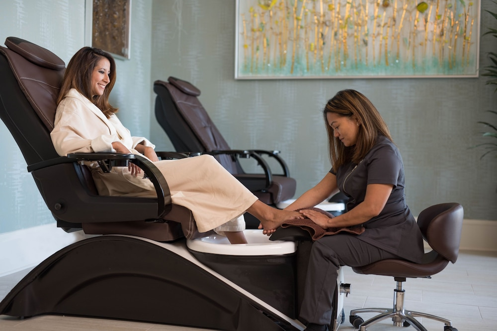 Spa Treatment, The Henderson, a Salamander Beach & Spa Resort
