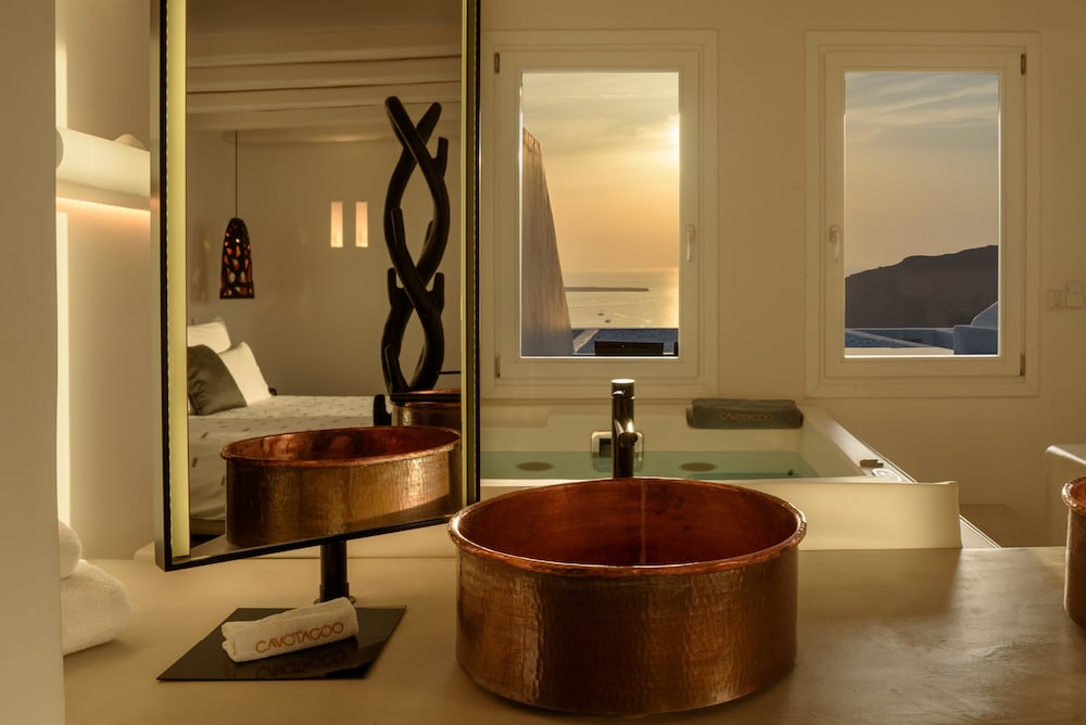 Indoor Spa Tub, Cavo Tagoo Santorini