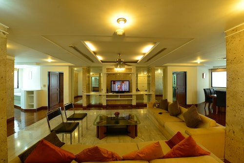 Luxury 3 bedroom Condo in Downtown Bangkok (THA 15202802) photo