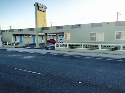 Great Place to stay Town House Motel near Lynwood