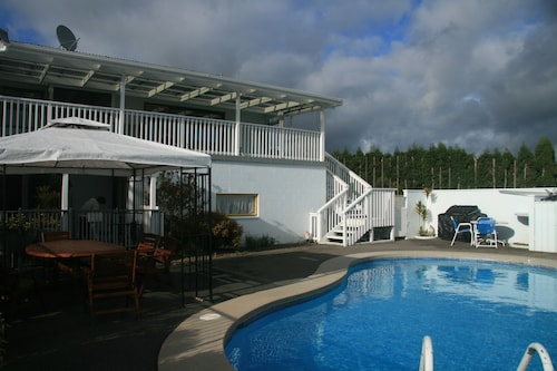 Accommodation Te Puna