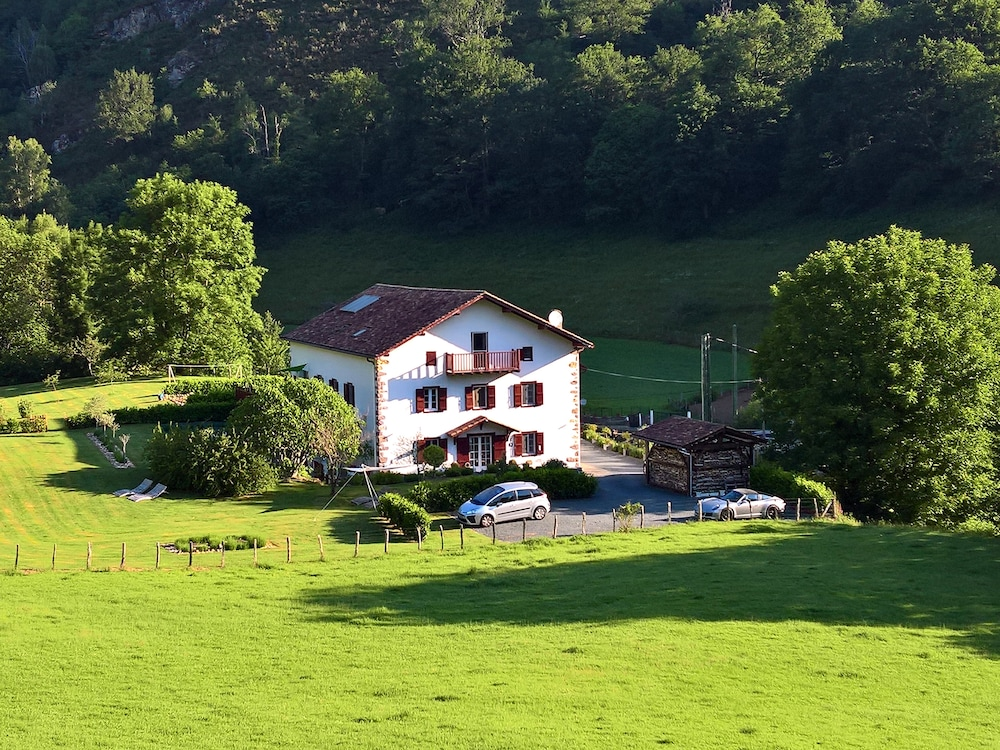 Maison aguerria reviews photos rates for Hotel maison