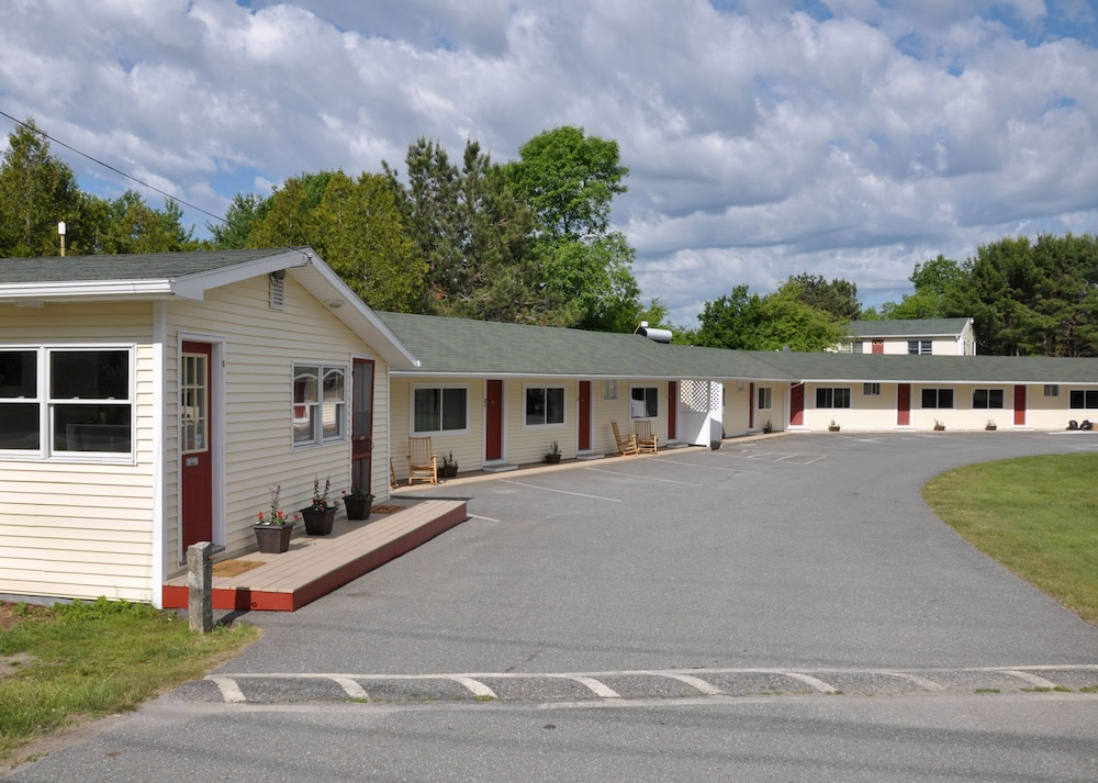 Exterior, Gallagher's Travels Bar Harbor Motel & Cabins