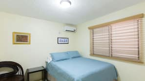 1 bedroom, Egyptian cotton sheets, premium bedding, in-room safe