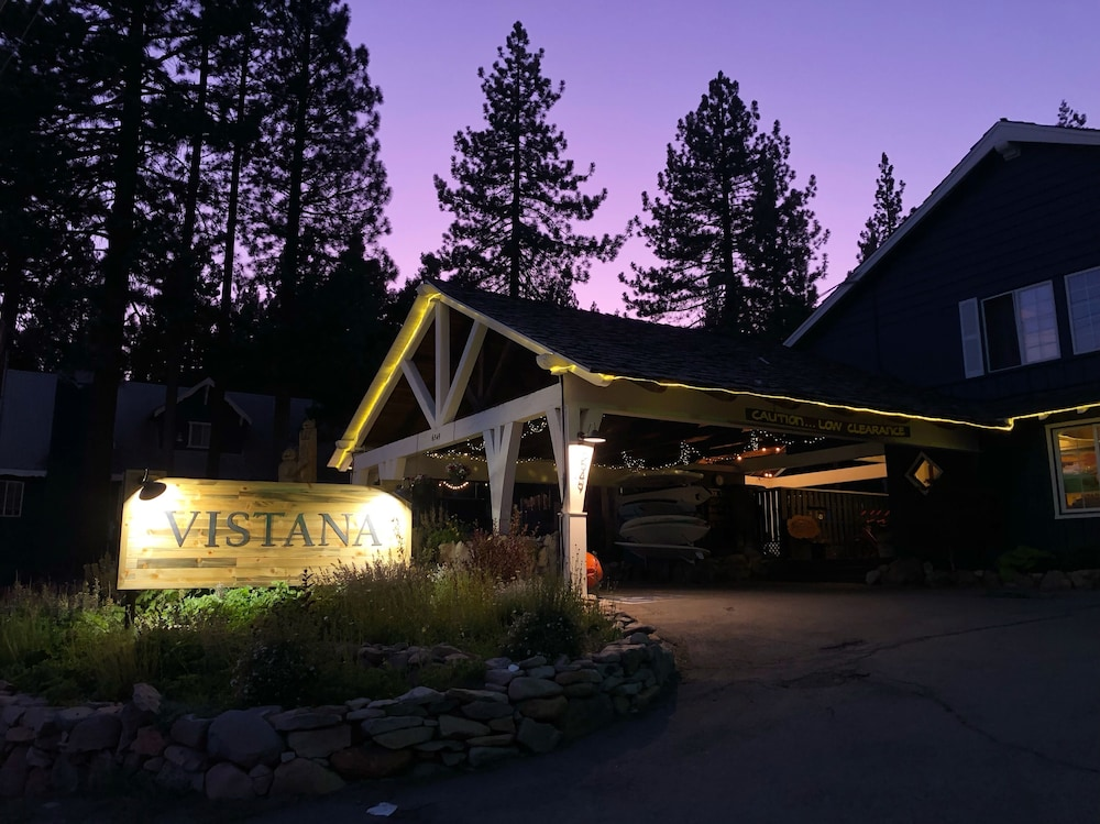 Front of Property - Evening/Night, Tahoe Vistana Inn
