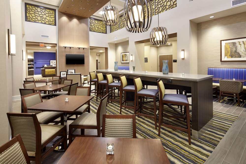 Reception, Hampton Inn & Suites Pittsburgh Airport South/Settlers Ridge