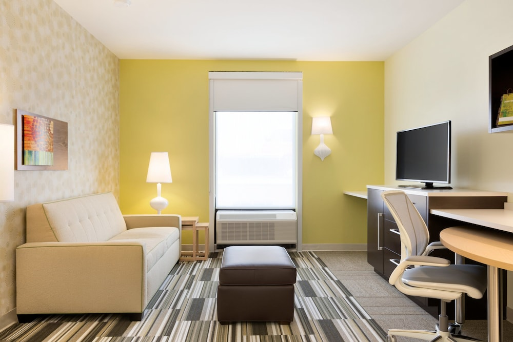 Room, Home2 Suites by Hilton La Crosse