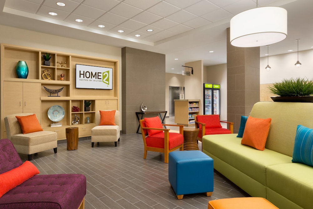 Lobby, Home2 Suites by Hilton La Crosse