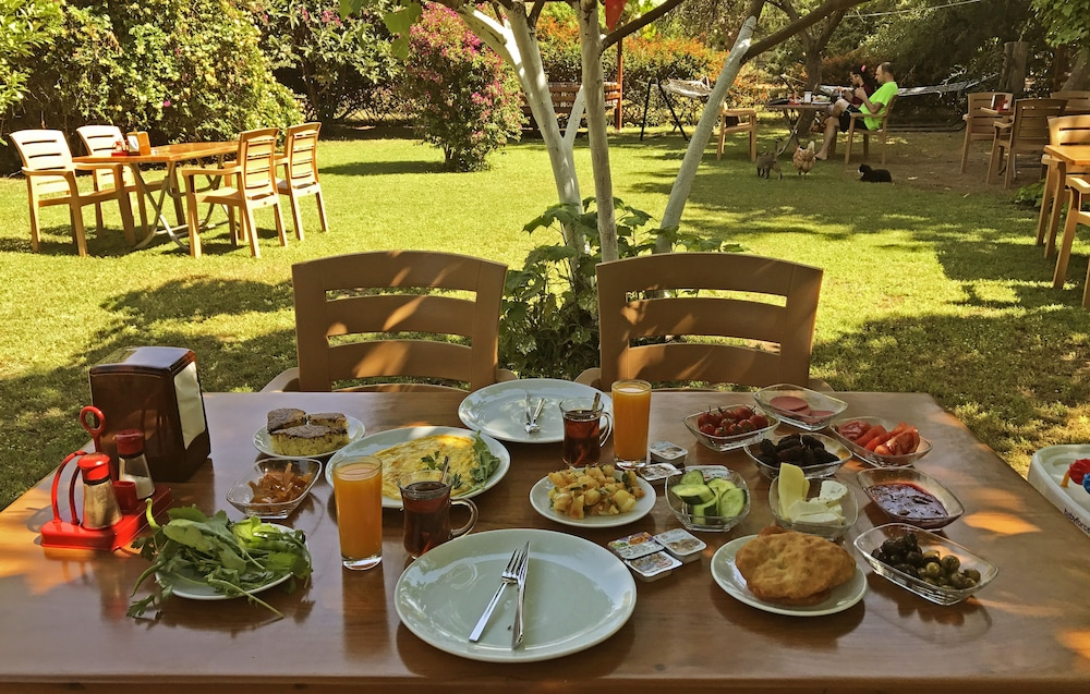 Breakfast Area, Baris Pension & Bungalows